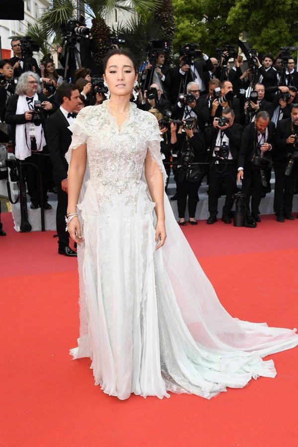 Loạt mỹ nhân 'vớt vát' hình ảnh cho Trung Quốc tại thảm đỏ Cannes 2019 Ảnh 14