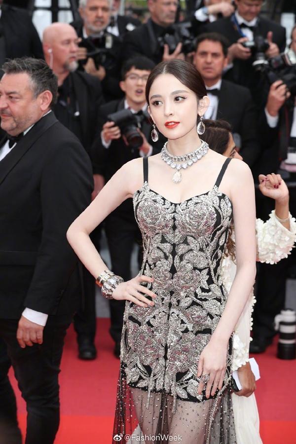 Loạt mỹ nhân 'vớt vát' hình ảnh cho Trung Quốc tại thảm đỏ Cannes 2019 Ảnh 10