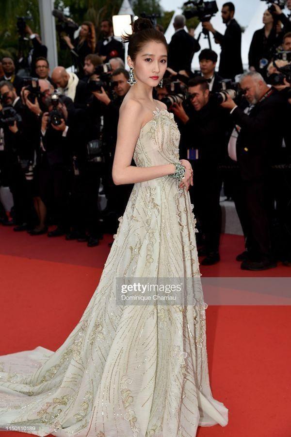 Loạt mỹ nhân 'vớt vát' hình ảnh cho Trung Quốc tại thảm đỏ Cannes 2019 Ảnh 7