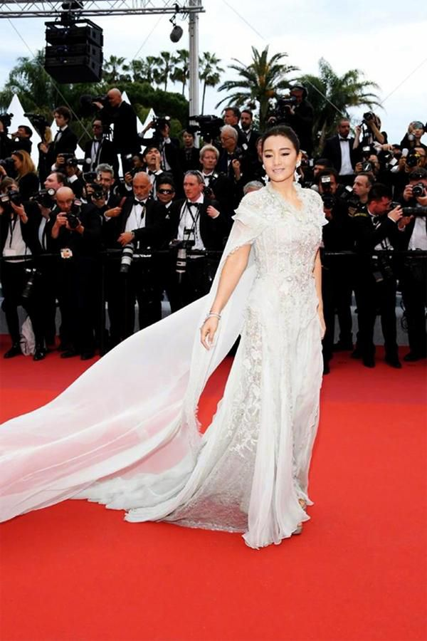 Loạt mỹ nhân 'vớt vát' hình ảnh cho Trung Quốc tại thảm đỏ Cannes 2019 Ảnh 13