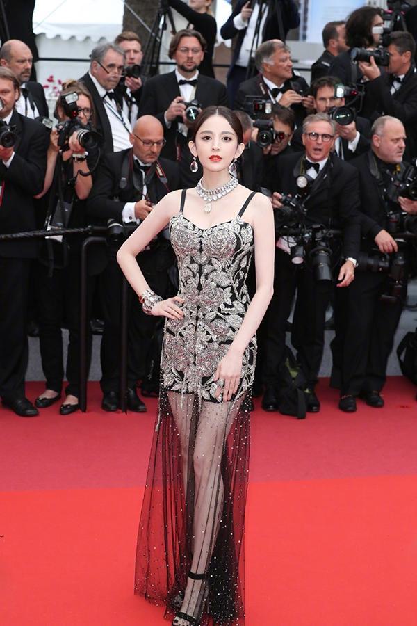 Loạt mỹ nhân 'vớt vát' hình ảnh cho Trung Quốc tại thảm đỏ Cannes 2019 Ảnh 8