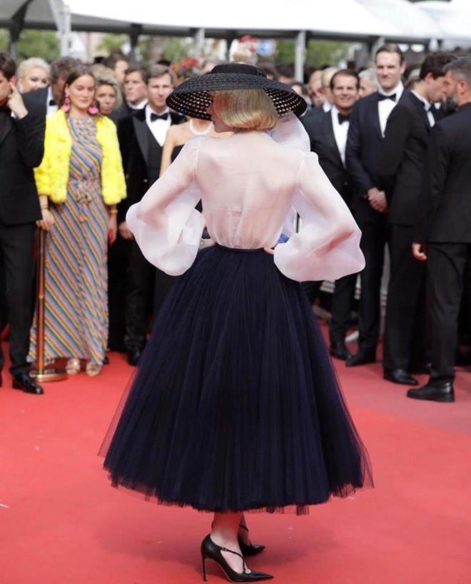 Elle Fanning - tiểu thư yêu kiều giữa dàn sao mặc lố tại Cannes Ảnh 8