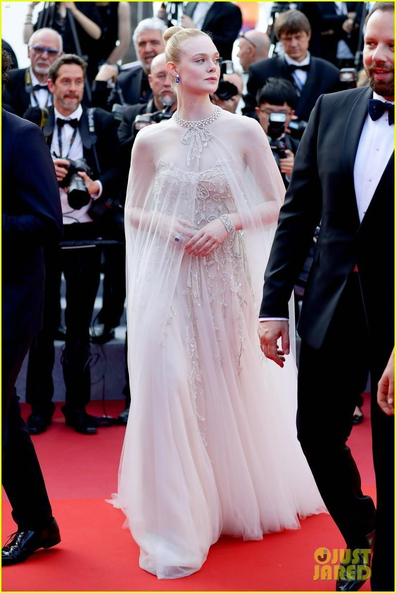 Elle Fanning - tiểu thư yêu kiều giữa dàn sao mặc lố tại Cannes Ảnh 9