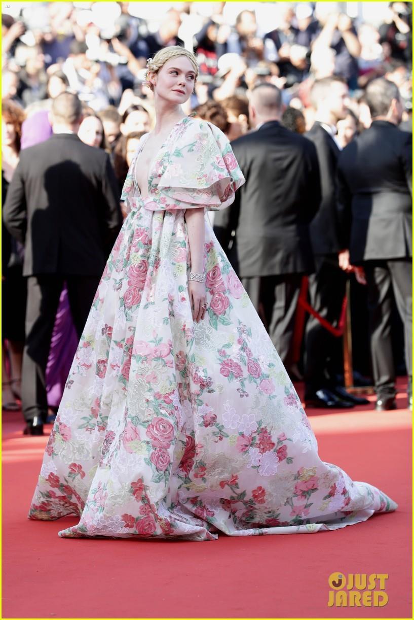 Elle Fanning - tiểu thư yêu kiều giữa dàn sao mặc lố tại Cannes Ảnh 5