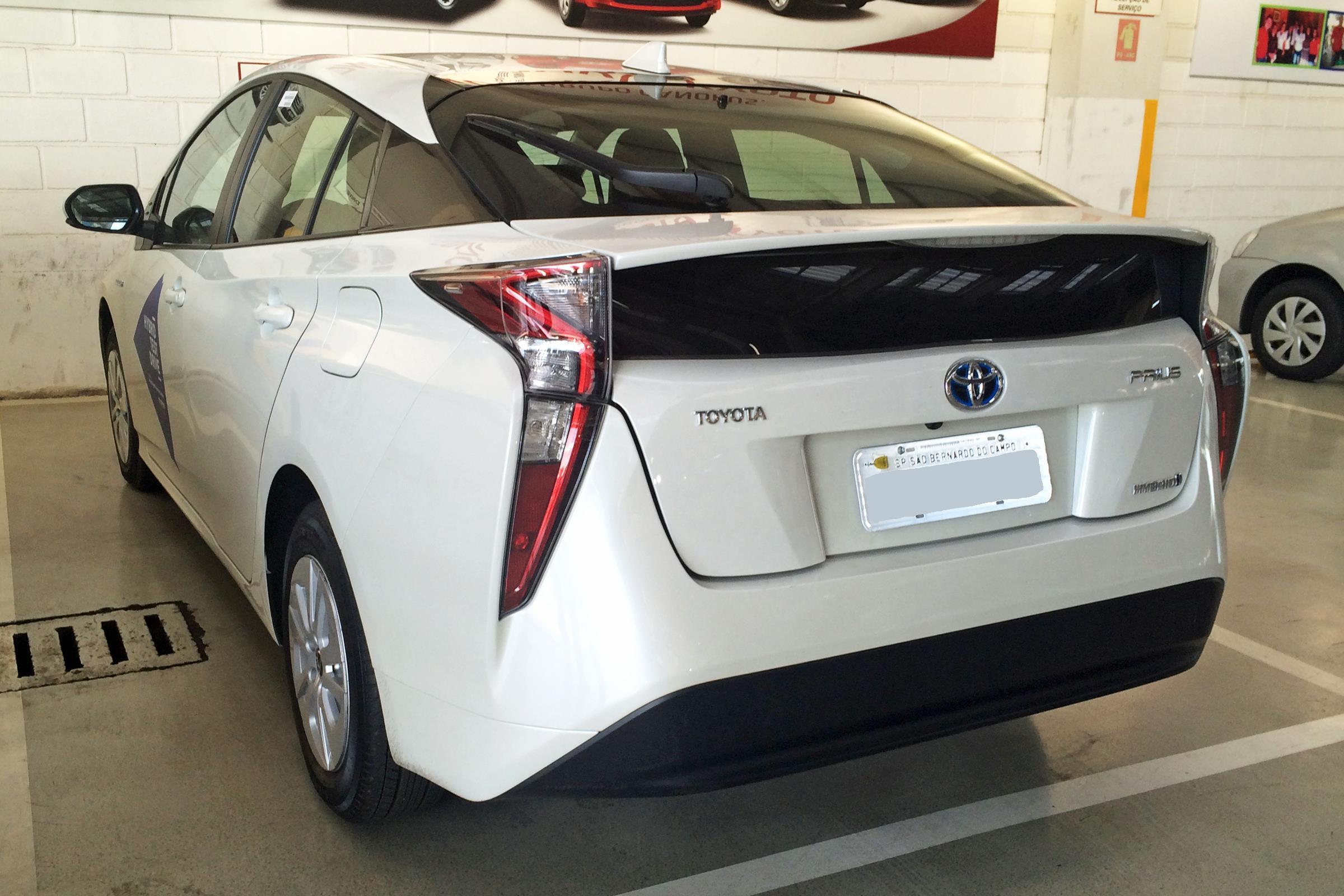 Toyota chậm thay đổi, xe sang bị chê xấu như cá Piranha Ảnh 4
