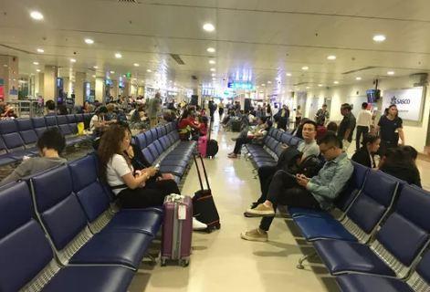 Từ 1/7, Tân Sơn Nhất ngừng phát thanh thông tin chuyến bay, hành khách chú ý khỏi trễ chuyến Ảnh 1