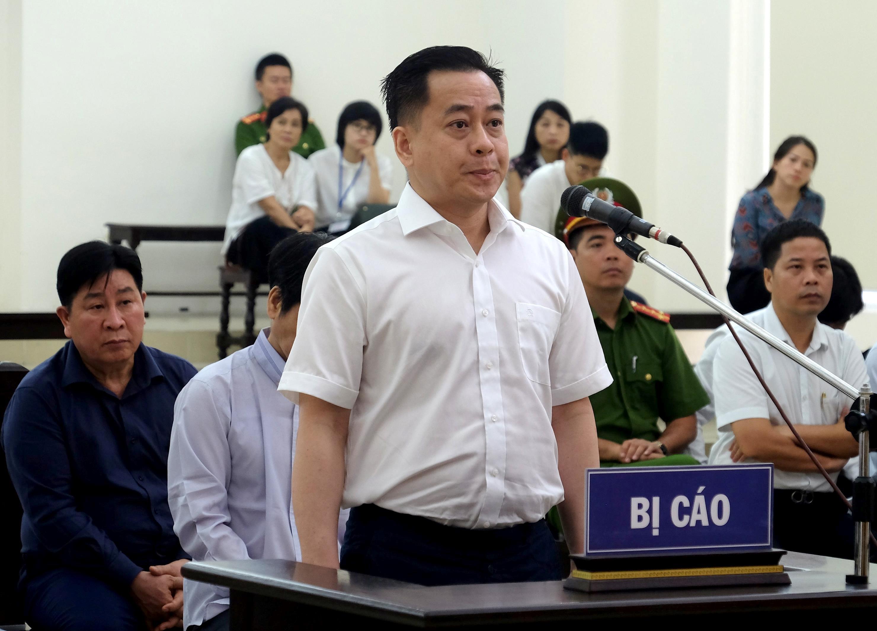 Cựu thứ trưởng Trần Việt Tân: 'Tôi tin cấp dưới nên ký không kiểm tra' Ảnh 2