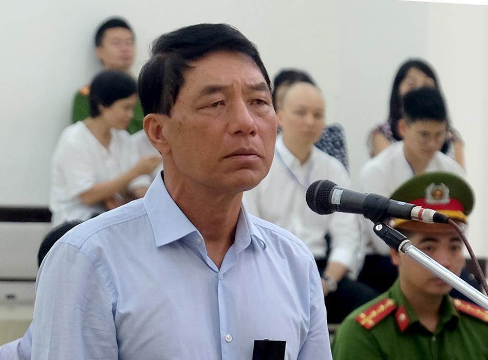 Cựu thứ trưởng Trần Việt Tân: 'Tôi tin cấp dưới nên ký không kiểm tra' Ảnh 1