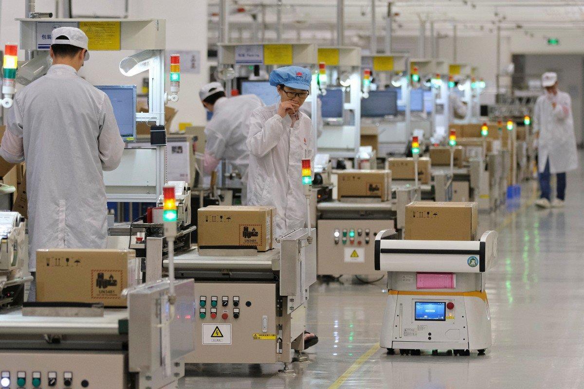 Cam kết gắn bó với iPhone, Foxconn sẵn sàng rời Trung Quốc Ảnh 1
