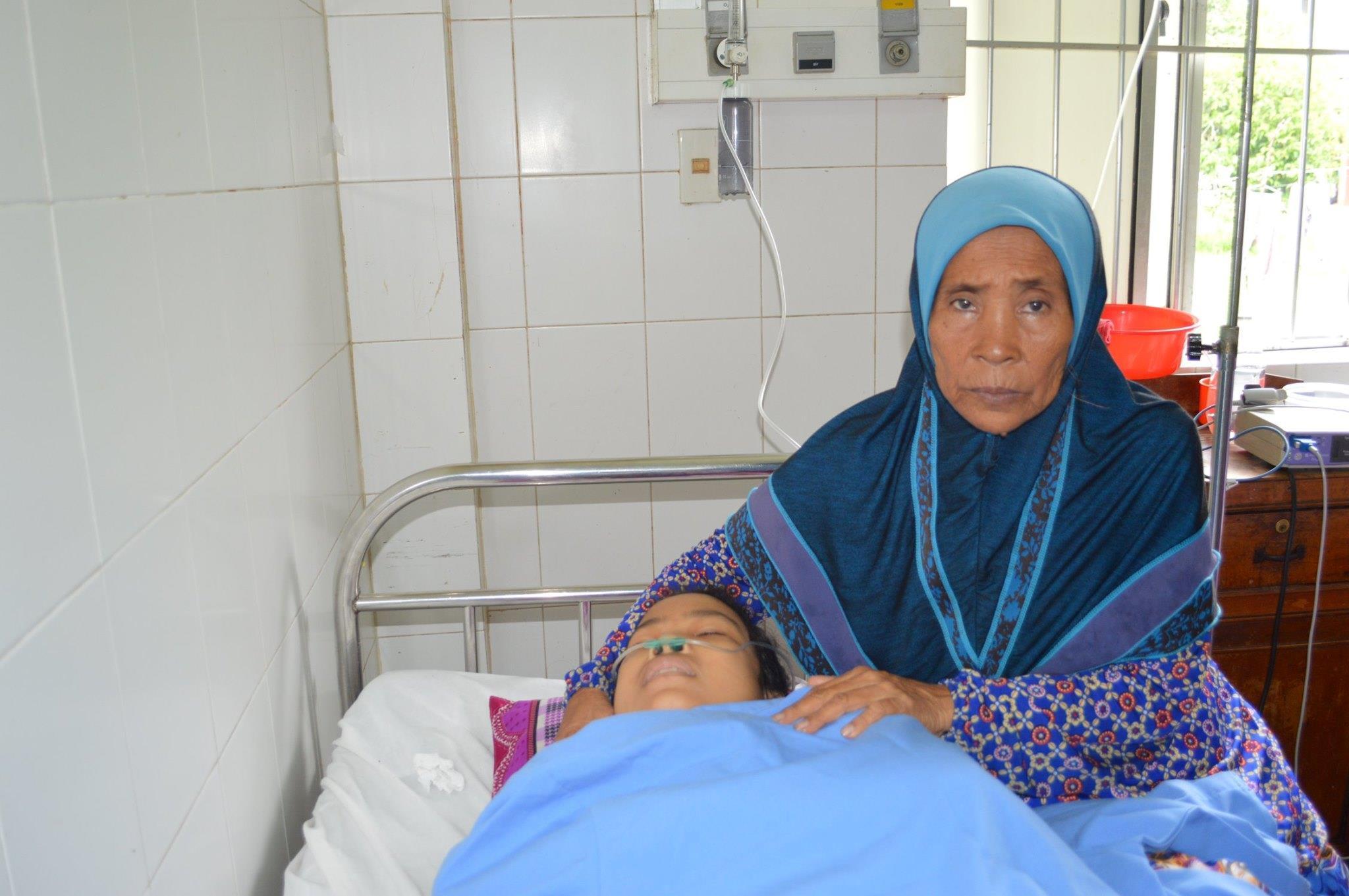 Sau 16 ngày nguy kịch, cô gái Campuchia được bác sĩ Việt Nam cứu sống Ảnh 1