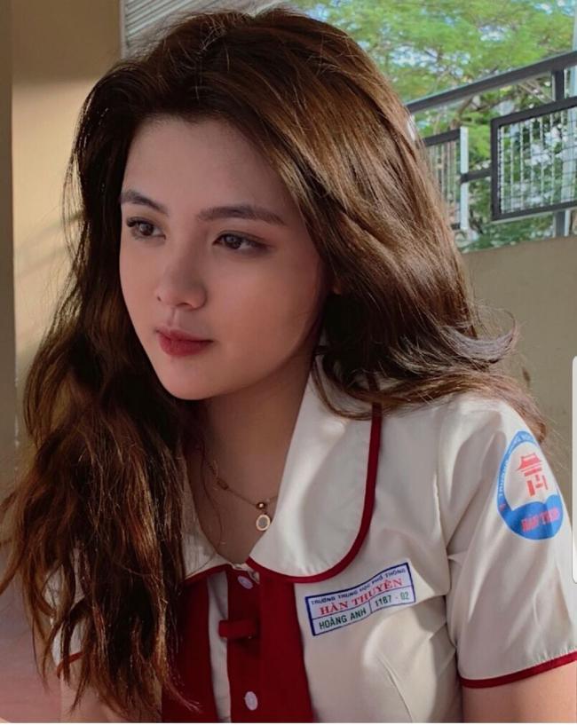 Thời trang gợi cảm hơn tuổi của các cô gái trăng tròn 'gây bão' mạng Việt hiện nay Ảnh 7