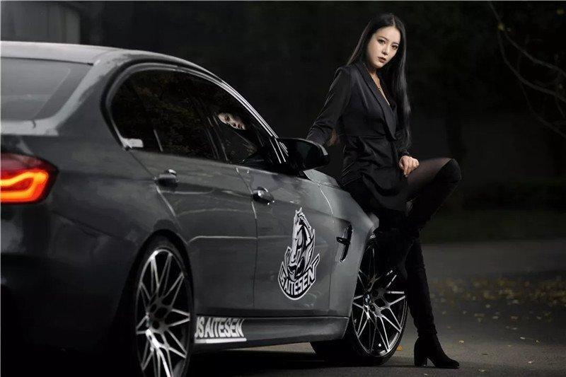 Mỹ nữ áo đen lạnh lùng khoe dáng bên xế độ BMW Ảnh 2