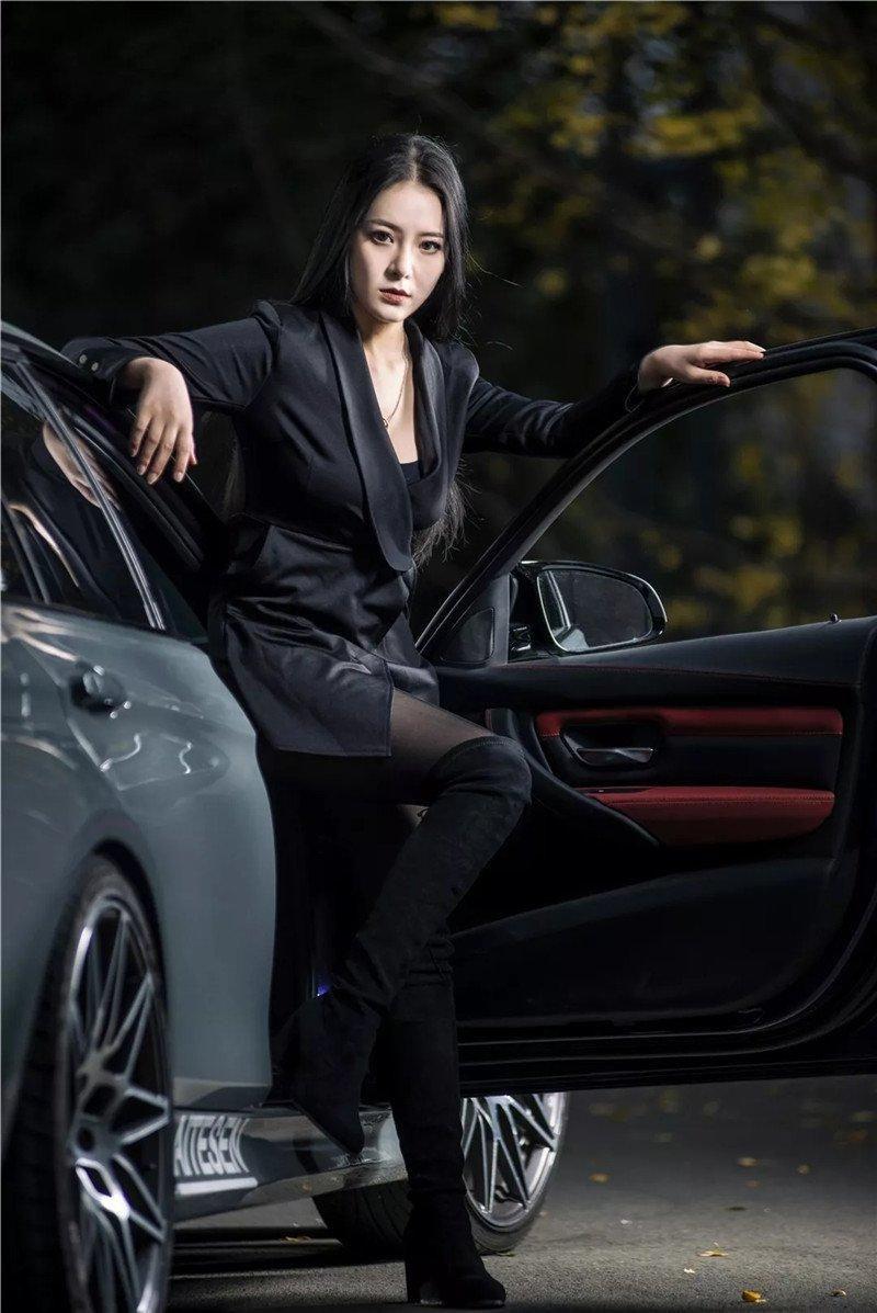 Mỹ nữ áo đen lạnh lùng khoe dáng bên xế độ BMW Ảnh 5