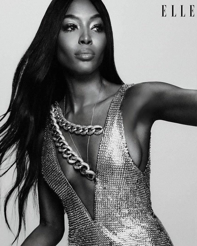 'Báo đen' Naomi Campbell khỏa thân trên sa mạc ở tuổi 49 Ảnh 5