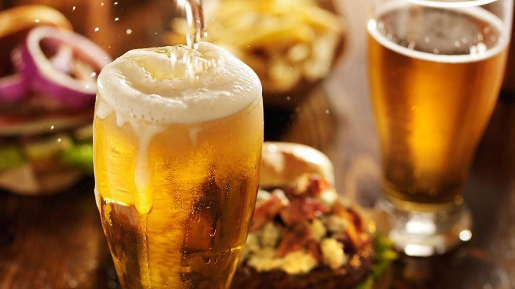 Điều thú vị ở quốc gia người dân uống bia mọi lúc mọi nơi Ảnh 3