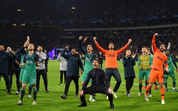 Tỷ phú sở hữu CLB Tottenham, hứa sang Việt Nam thi đấu giàu cỡ nào? Ảnh 3