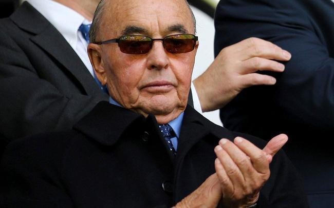 Tỷ phú sở hữu CLB Tottenham, hứa sang Việt Nam thi đấu giàu cỡ nào? Ảnh 1
