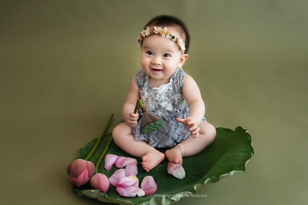 Bộ ảnh em bé bên hoa sen 'đốn tim' ngàn người xem Ảnh 15