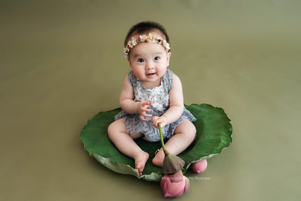Bộ ảnh em bé bên hoa sen 'đốn tim' ngàn người xem Ảnh 14