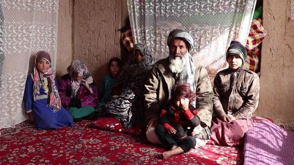Cuộc sống ngột ngạt của những bé gái bị cha mẹ ép biến thành con trai để kiếm tiền nuôi sống cả gia đình Ảnh 4