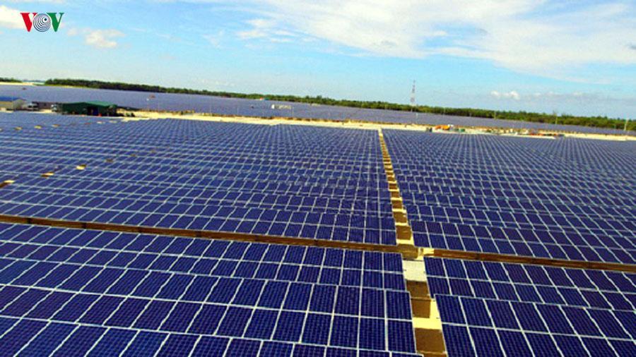 Phương án giá điện mặt trời được bổ sung chia 2 vùng giá Ảnh 1
