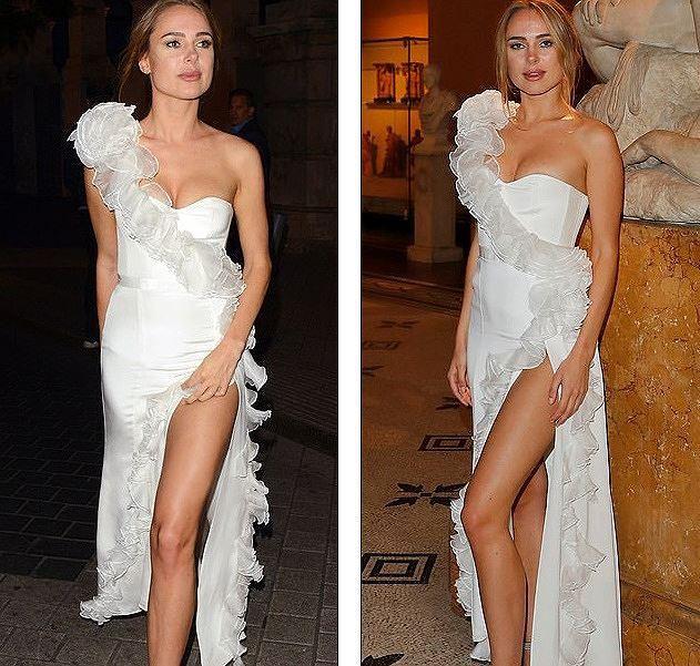 Nàng thơ nước Anh sang chảnh siêu quyến rũ với váy xẻ 'bất tận' Ảnh 7