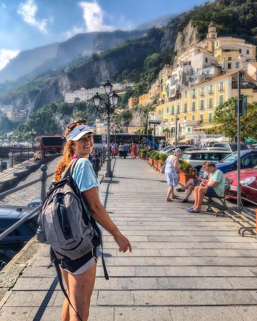 Cô gái 23 tuổi bỏ việc, đi khắp thế giới với 11 USD/ngày Ảnh 4