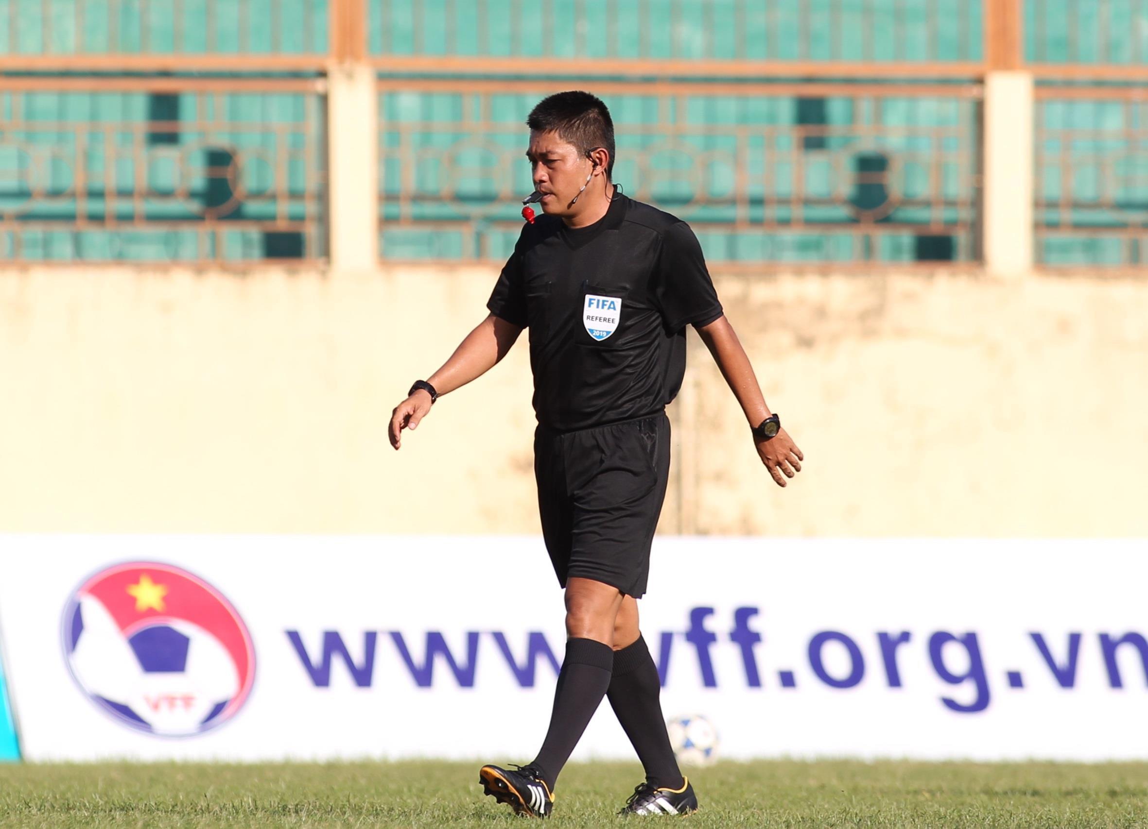 Trọng tài FIFA Việt Nam ngất xỉu khi tham gia buổi kiểm tra thể lực Ảnh 2