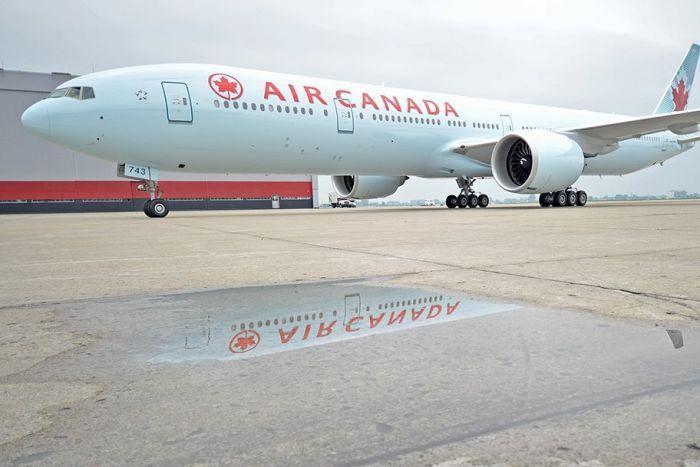 Hành khách bị bỏ rơi một mình trên máy bay 'tối tăm lạnh lẽo' vì ngủ quên