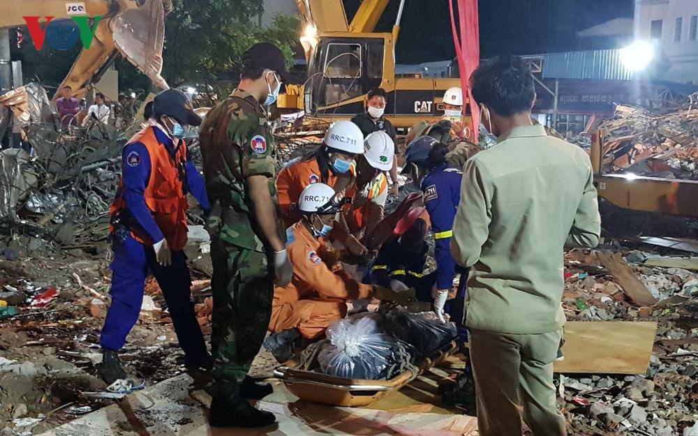 Sập nhà Trung Quốc xây ở Campuchia: Thủ tướng Hun Sen chỉ đạo cứu hộ Ảnh 1