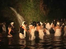 Hòn đảo mỗi năm 7 lần vợ chồng được thoải mái tình dục với người lạ Ảnh 1