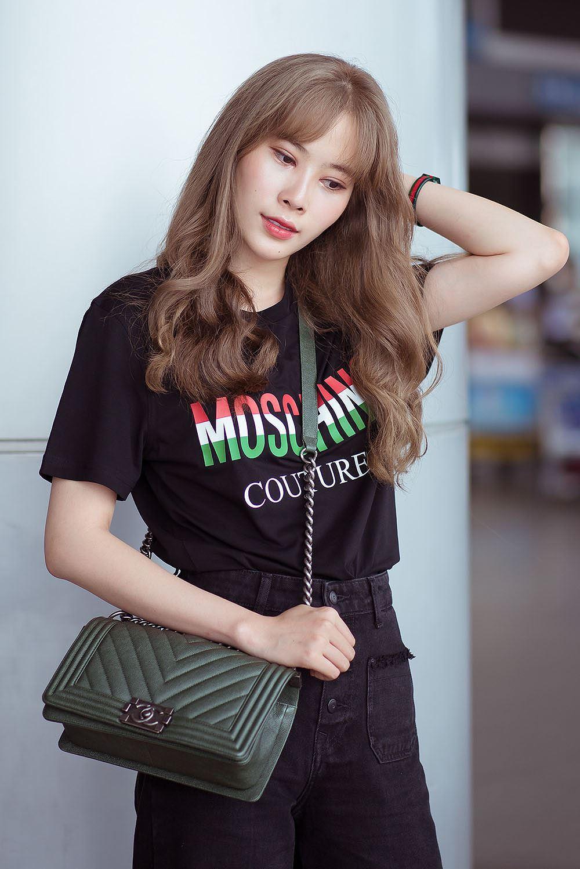 Nam Em bị nhầm là gái Hàn với mái tóc vàng hoe ở sân bay Ảnh 8