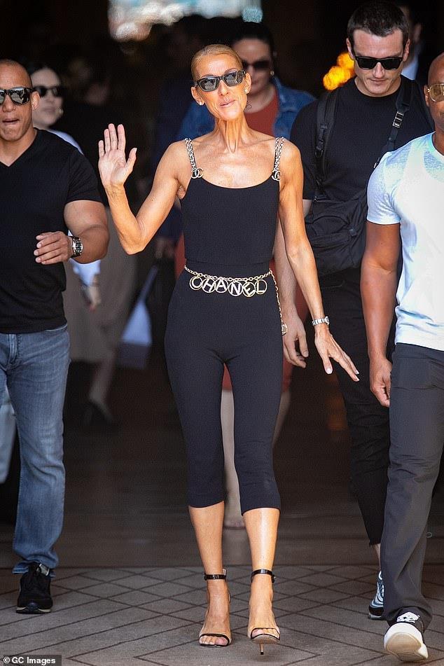 Celine Dion mặc trang phục bó sát bất chấp tuổi 51 Ảnh 1