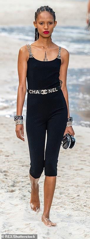 Celine Dion mặc trang phục bó sát bất chấp tuổi 51 Ảnh 3