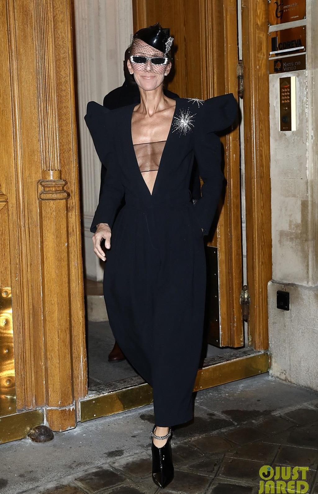 Celine Dion mặc trang phục bó sát bất chấp tuổi 51 Ảnh 6