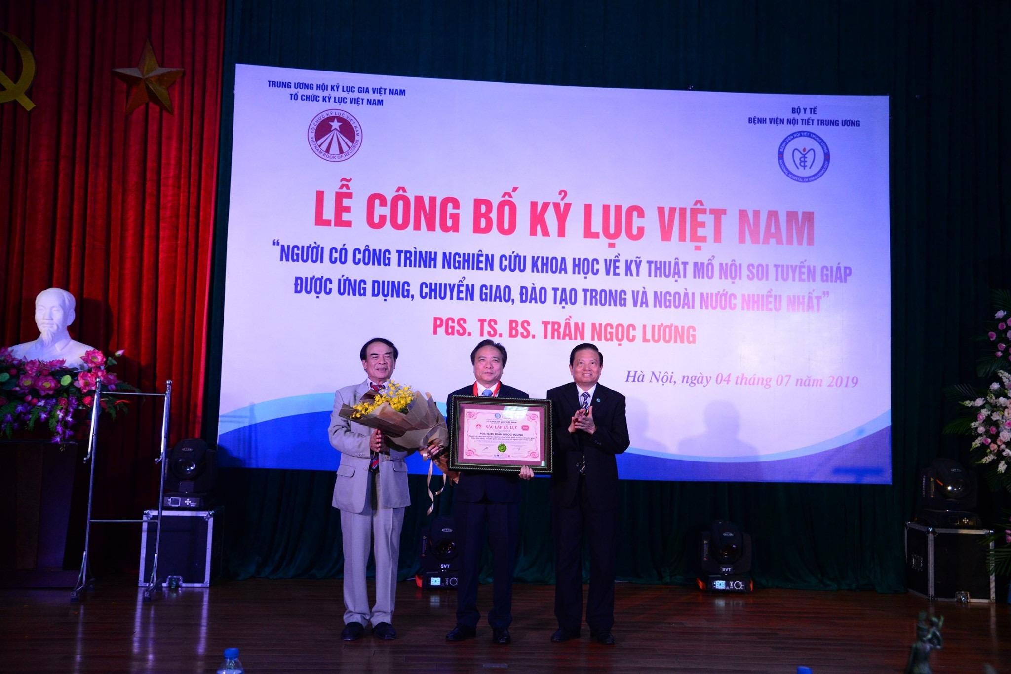 TTND PGS TS Trần Ngọc Lương xác lập kỷ lục Việt Nam Ảnh 1