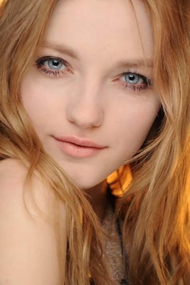 4 người đàn bà, thiếu nữ Nga đẹp 'nghiêng thành', nhìn xa ngỡ búp bê biết nói Ảnh 7