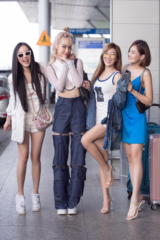 Băng Di, Trang Pháp, Thùy Anh cùng MLee hào hứng đi Singapore cổ vũ Tottenham Ảnh 9