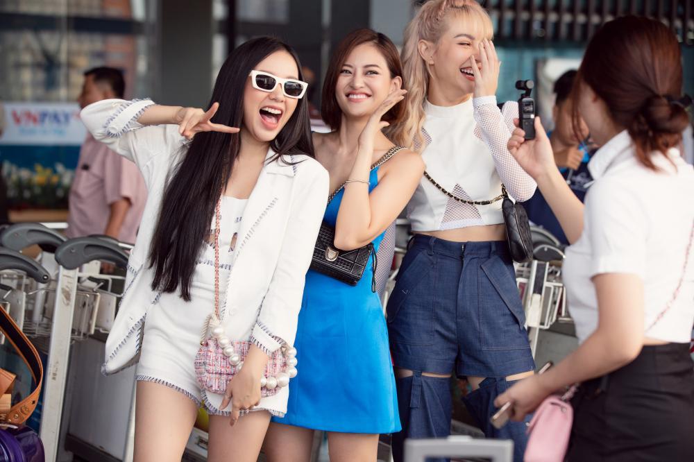 Băng Di, Trang Pháp, Thùy Anh cùng MLee hào hứng đi Singapore cổ vũ Tottenham Ảnh 8