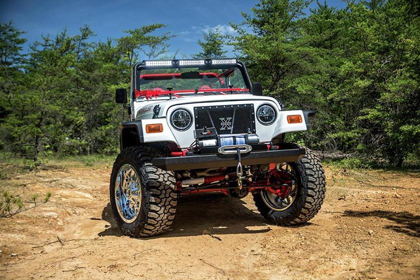 Học sinh trung học 'độ' ô tô địa hình Jeep Wrangler khiến nhiều người bất ngờ Ảnh 1