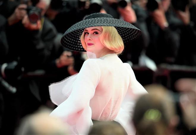 'Nàng tiểu thư Hollywood' khoe làn da trắng sứ với áo tắm hai mảnh Ảnh 6
