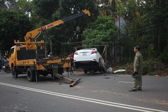 Taxi chạy tốc độ cao, lấn làn đường tông chết 2 cô cháu Ảnh 3