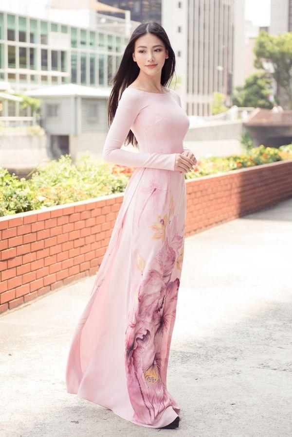 Ăn vận với hai thái cực khác nhau, Hương Giang - Sam chiếm sóng top sao đẹp tuần Ảnh 11