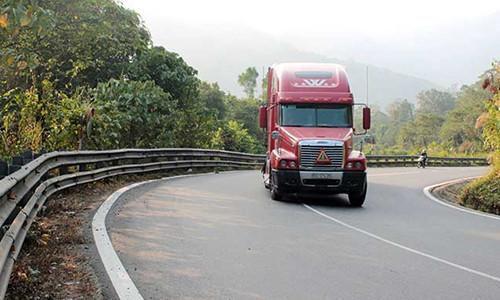 Lái xe đang ở tốc độ cao bị mất phanh, để xử lý tài xế nhất định phải biết điều này Ảnh 1