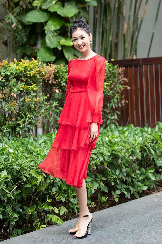 Hoa hậu Tiểu Vy - Mỹ Linh đội vương miện kiêu sa, khoe nhan sắc tựa 'nữ thần' Ảnh 10