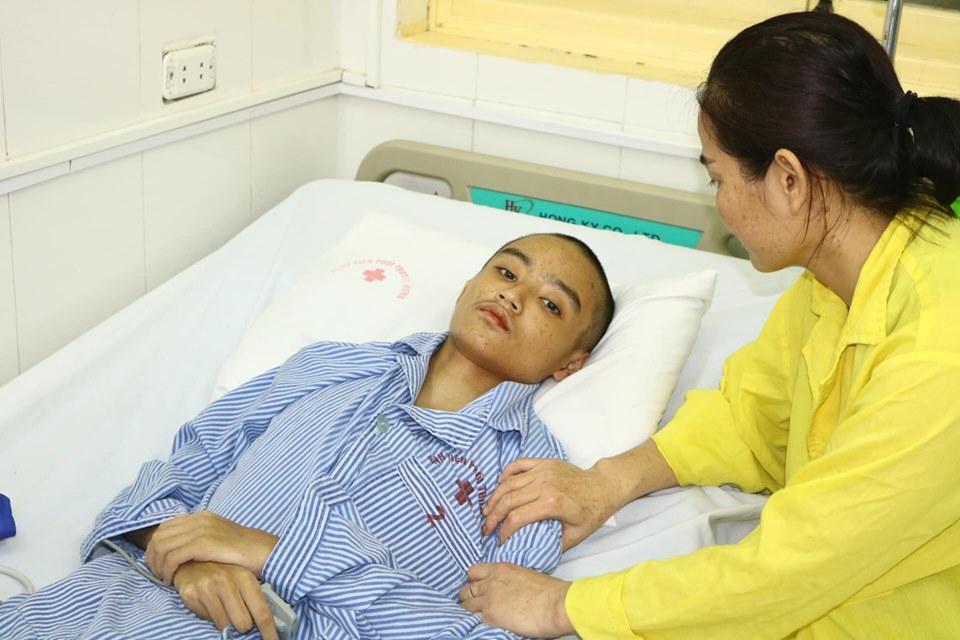 Chia sẻ với 'nỗi đau' của cậu bé 15 tuổi nhiễm nấm phổi xâm lấn nặng Ảnh 2