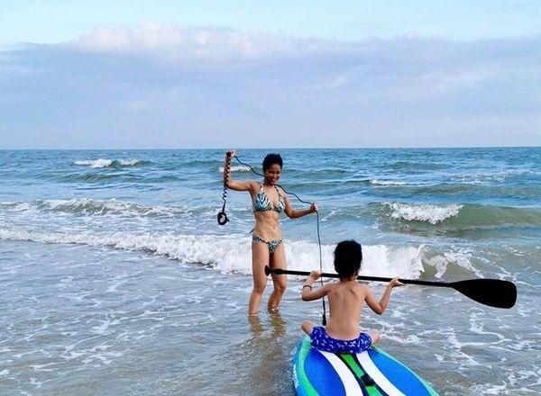 Mặc bikini, khoe cơ bụng săn chắc ở tuổi U50, diva Hồng Nhung khiến bao thiếu nữ ghen tỵ Ảnh 4