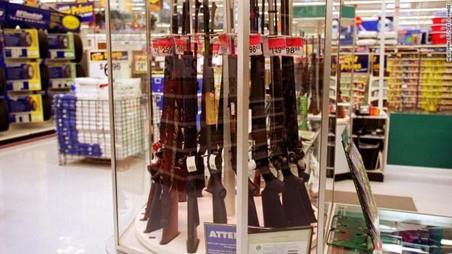 Thảm sát tại Mỹ càng đẫm máu, các công ty bán súng càng mừng