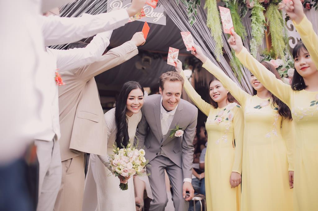 Nữ phi công cưới chồng Tây: 'Tôi có cuộc hôn nhân không bình thường' Ảnh 5