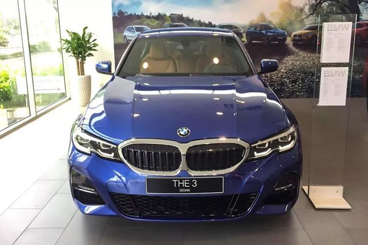 Cận cảnh BMW 330i M Sport giá 2,38 tỷ đồng tại Việt Nam Ảnh 1